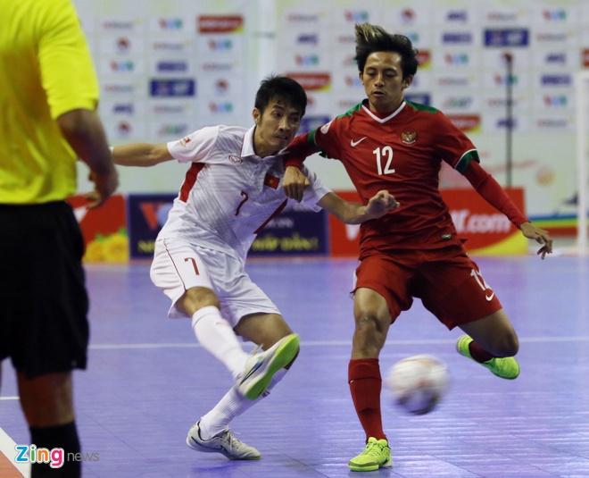 Con 32 giay, futsal Viet Nam ghi ban danh bai Indonesia 4-3 hinh anh 12