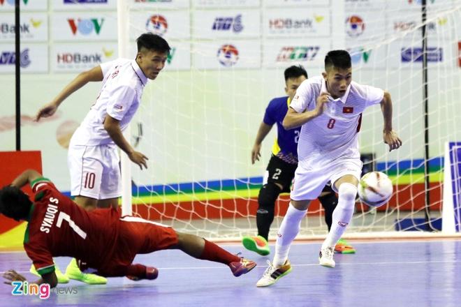 Con 32 giay, futsal Viet Nam ghi ban danh bai Indonesia 4-3 hinh anh 8