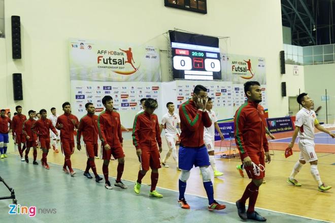 Con 32 giay, futsal Viet Nam ghi ban danh bai Indonesia 4-3 hinh anh 1