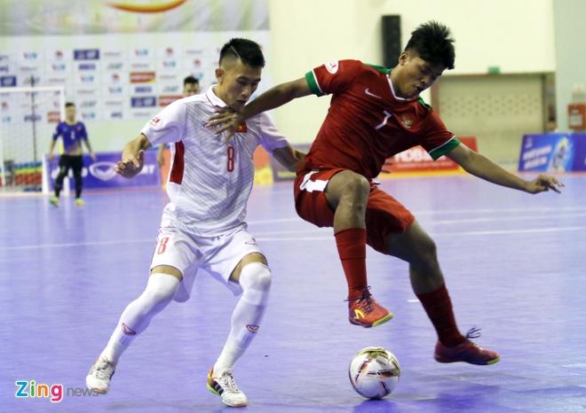 Con 32 giay, futsal Viet Nam ghi ban danh bai Indonesia 4-3 hinh anh 11
