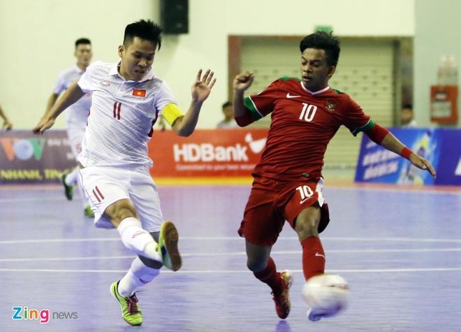 Con 32 giay, futsal Viet Nam ghi ban danh bai Indonesia 4-3 hinh anh 7