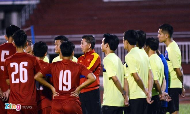 HLV Dinh Hong Vinh dan dat CLB Can Tho hinh anh 1