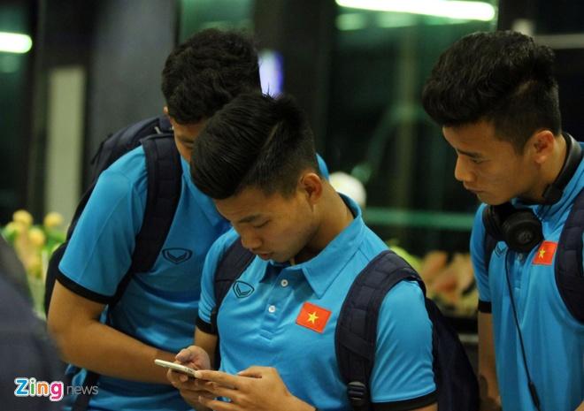 U23 Viet Nam tap nhe truoc gio an toi o Thai Lan hinh anh 3