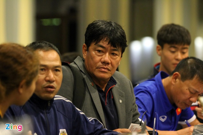 U23 Viet Nam tap nhe truoc gio an toi o Thai Lan hinh anh 4