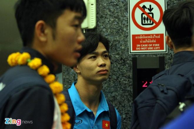 U23 Viet Nam tap nhe truoc gio an toi o Thai Lan hinh anh 5