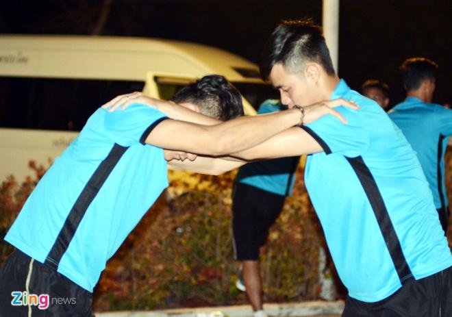 U23 Viet Nam tap nhe truoc gio an toi o Thai Lan hinh anh 8