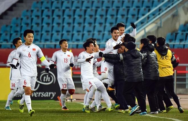 Chien thang kich tinh dua U23 Viet Nam vao chung ket hinh anh