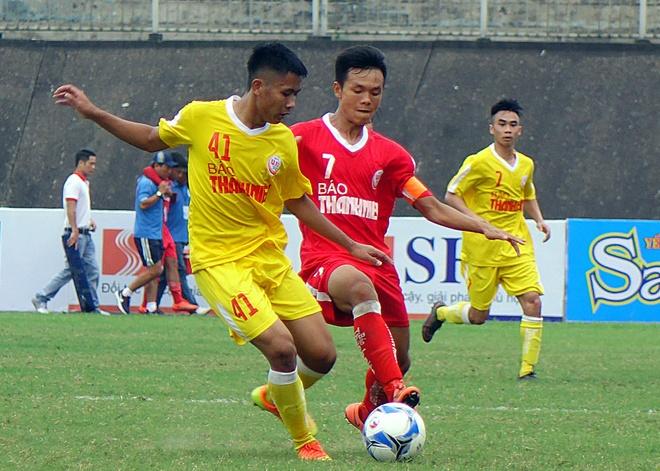 Doi bong tre cua bau Hien thang 8-1 o giai U19 quoc gia hinh anh