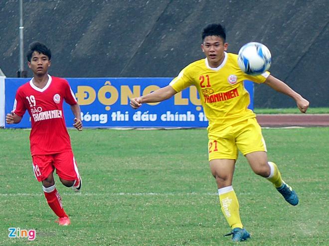 Doi bong tre cua bau Hien thang 8-1 o giai U19 quoc gia hinh anh 1