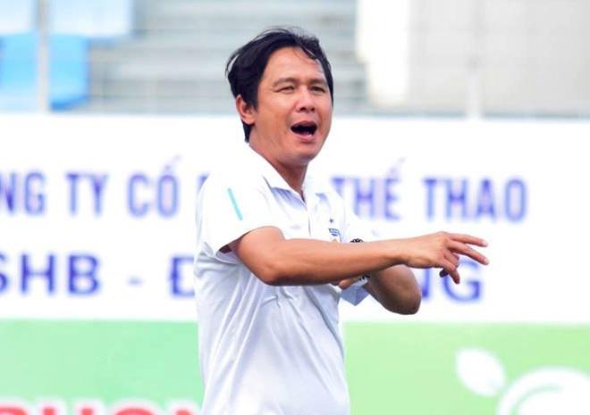 HLV Minh Phuong gap thach thuc lon o tran derby xu Quang hinh anh