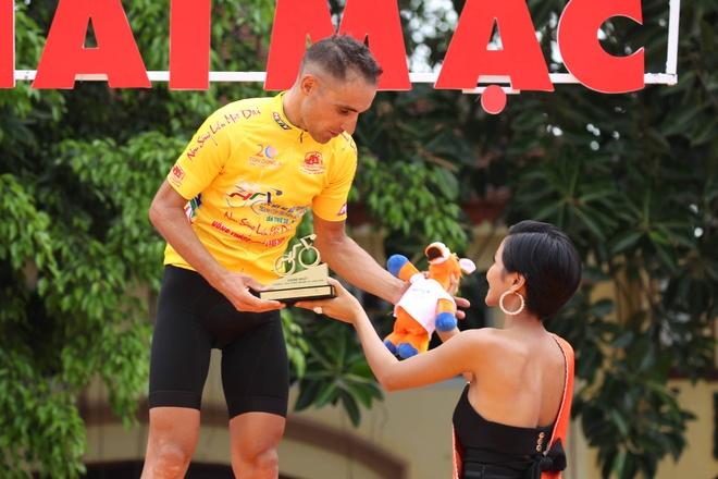 Nuoc rut ngoan muc, Nguyen Thanh Tam ve nhat chang 2 Cup Truyen hinh hinh anh 2