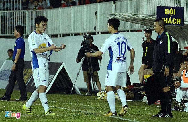 Van Toan, Minh Vuong toa sang giup HAGL thang 'giai han' tai V.League hinh anh 8