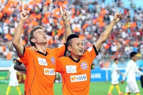 Sieu pham cua Vo Huy Toan dep nhat vong 4 V.League hinh anh