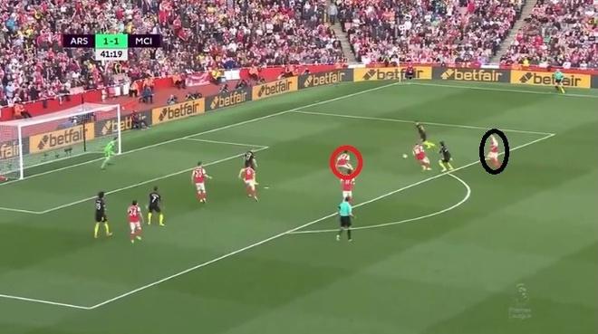 Vi Arsenal, Wenger phai loai hung than Xhaka hinh anh 4