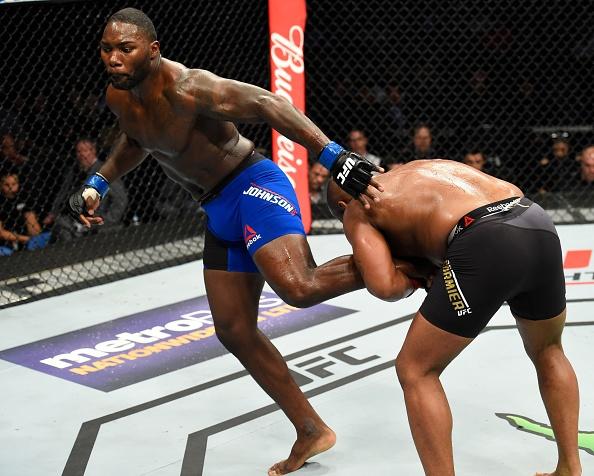 UFC 210: Thua sau don khoa co, vo si tuyen bo giai nghe hinh anh 7