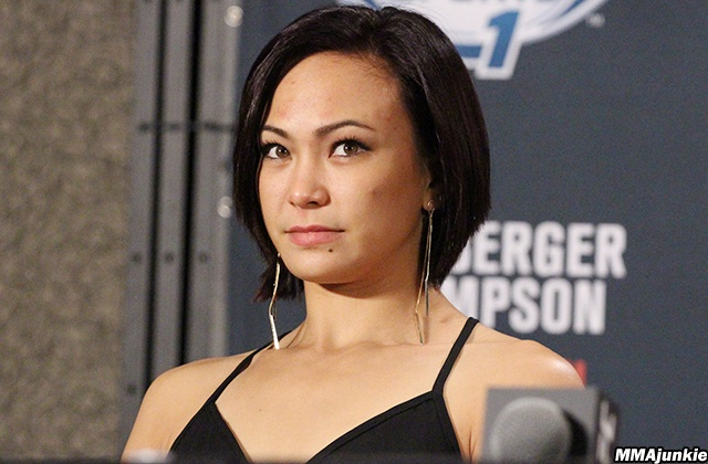UFC on Fox 24: Nguoi dep dai chien anh 2
