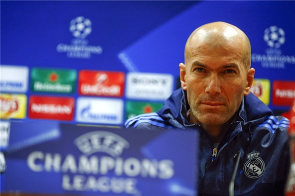 Zidane: 'Chung toi mong co 12 nguoi khi doi dau voi Bayern' hinh anh 1