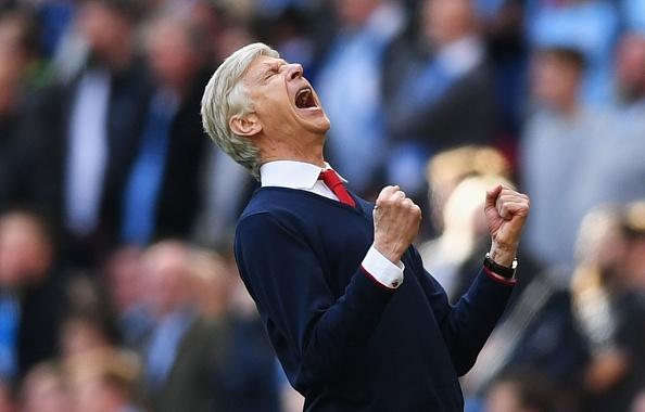Wenger an mung xuc dong: Mot nhiet huyet, mot tinh yeu vinh cuu hinh anh