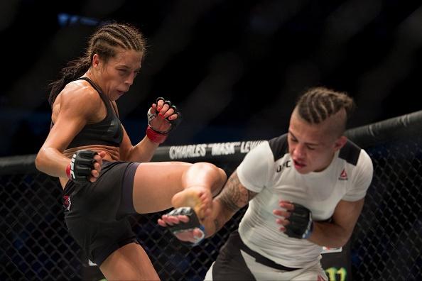 UFC 211: Mat 2 phut, nha vo dich cho ke thach dau do van hinh anh 10