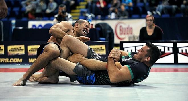 Nhu thuat Brazil: Mon vo kinh hoang nhat MMA (ky 3) hinh anh 4