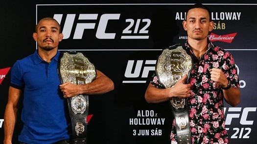 UFC 212: Thua dau Max Holloway, nha vo dich Jose Aldo khoc nuc no hinh anh 1
