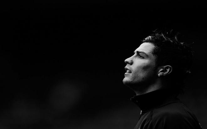 Ronaldo: Tuoi tho khon kho cua dua tre suyt khong duoc ra doi hinh anh