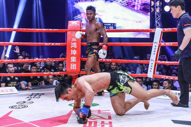 Kunlun Fight: 'Thanh Muay Thai' Buakaw ha dep vo si Trung Quoc lan 2 hinh anh