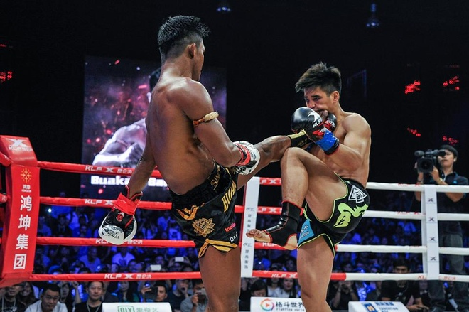 Kunlun Fight: 'Thanh Muay Thai' Buakaw ha dep vo si Trung Quoc lan 2 hinh anh 2