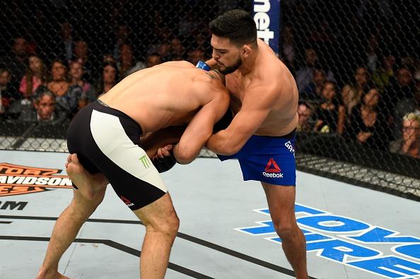 UFC on Fox 25: Nha cuu vo dich Chris Weidman tro lai an tuong hinh anh 5