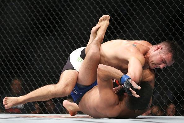 UFC on Fox 25: Nha cuu vo dich Chris Weidman tro lai an tuong hinh anh 7