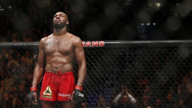 UFC 214: Jones gianh lai dai trong tran dau co ca mau va nuoc mat hinh anh