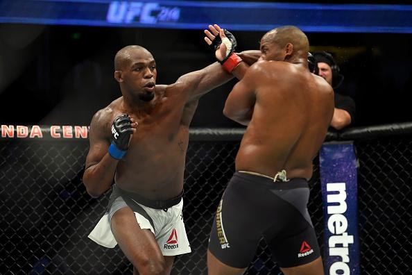 UFC 214: Jones gianh lai dai trong tran dau co ca mau va nuoc mat hinh anh 8