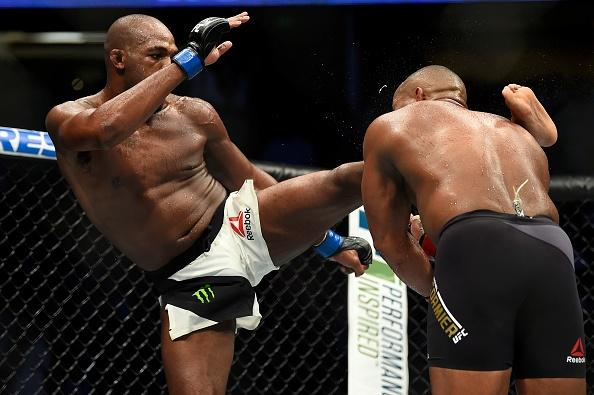 UFC 214: Jones gianh lai dai trong tran dau co ca mau va nuoc mat hinh anh 9