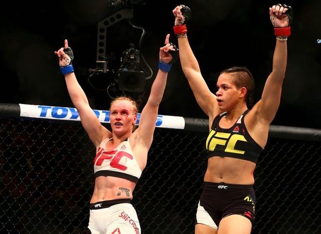 UFC 215: Nu vo si xinh dep thua tran vi kem doi thu mot diem hinh anh 2
