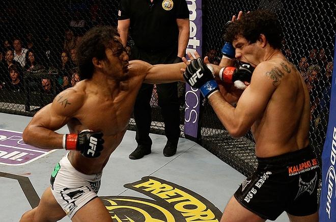 Vo si UFC chiu dau thi dau het tran du chan bi sung bien dang hinh anh 4