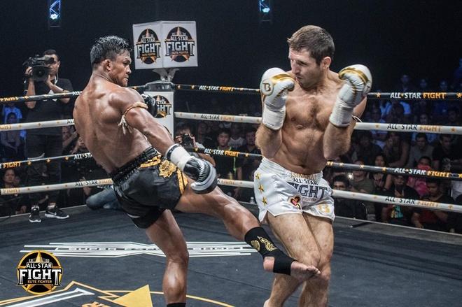 'Thanh Muay Thai' Buakaw ha doi thu chau Au, thang tran thu 301 hinh anh 4