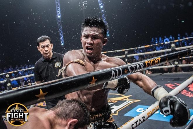 'Thanh Muay Thai' Buakaw ha doi thu chau Au, thang tran thu 301 hinh anh 6