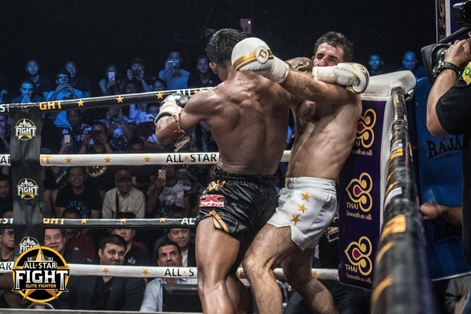 'Thanh Muay Thai' Buakaw ha doi thu chau Au, thang tran thu 301 hinh anh 9