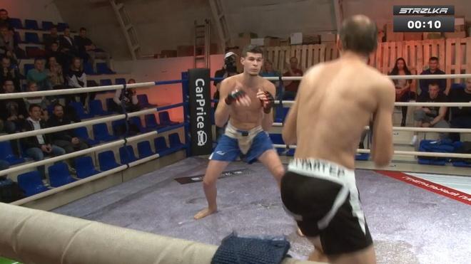 MMA o Nga: Thang loi bat ngo cua vo si co 'the danh bo ngua' hinh anh 1