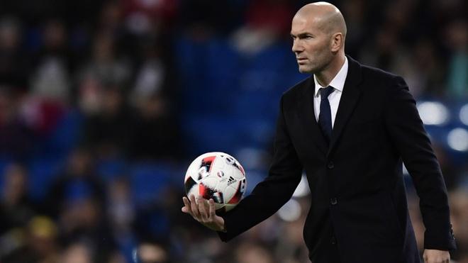 Real ben bo vuc khung hoang: Phep mau, lieu con khong Zidane? hinh anh