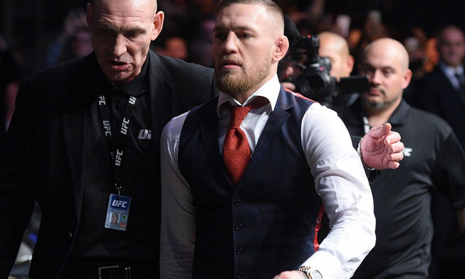 McGregor vui ve ben gia dinh truoc tin don nghi thi dau 6 thang hinh anh 8