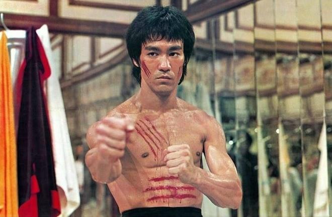 Clip dam bao cat duoc cong bo: Ly Tieu Long con kem xa Mike Tyson? hinh anh