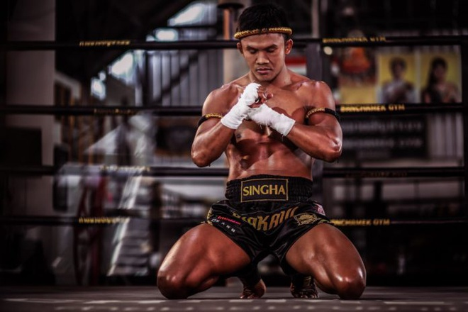 'Thanh Muay Thai' Buakaw sap dai chien voi ban cua Chan Tu Dan hinh anh
