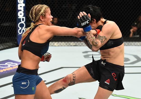 UFC FN 124: Vo si quyen ru nhat UFC bi gay tay, thua tran thu 4 hinh anh 7