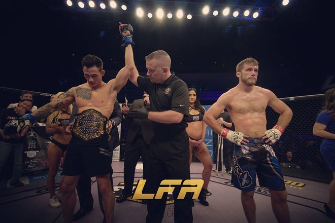 Vo si goc Viet Thanh Le gianh dai vo dich MMA the gioi hinh anh 1