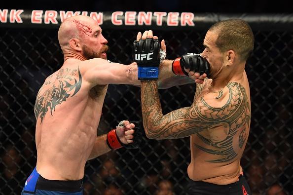 'Cao boi' Cerrone ha doi thu trong hiep 1, lap ky luc tai UFC hinh anh 6