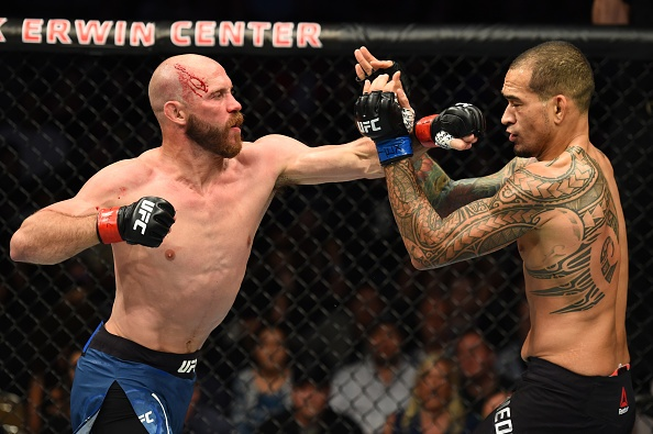 'Cao boi' Cerrone ha doi thu trong hiep 1, lap ky luc tai UFC hinh anh 5