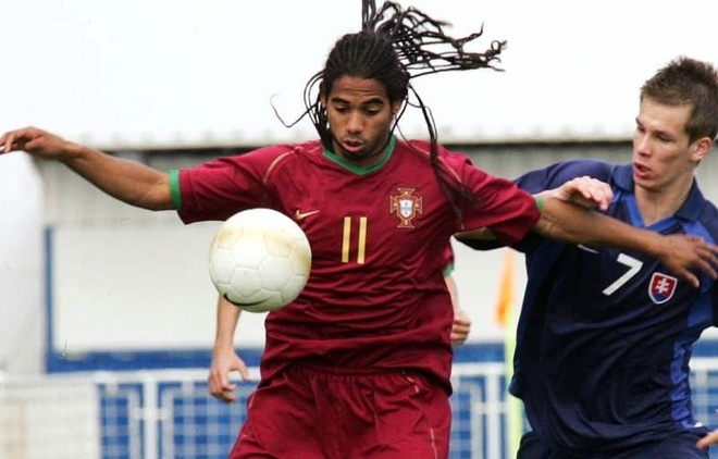Su lui tan cua 'tieu Ronaldo' Fabio Paim, bai hoc cho moi cau thu tre hinh anh