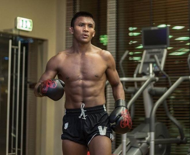 'Thanh Muay Thai' Buakaw co mat tai UAE, san sang giat dai the gioi hinh anh
