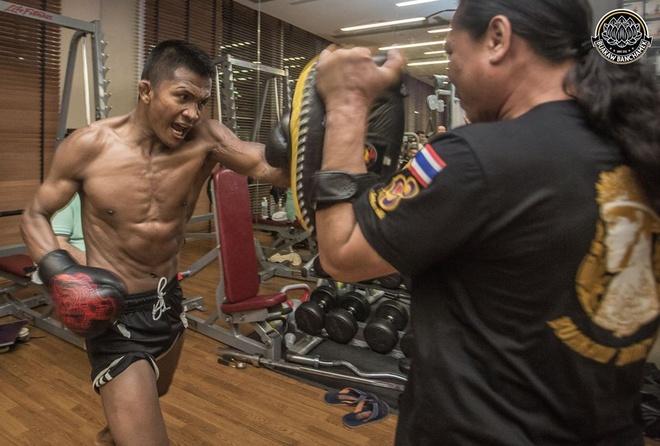 'Thanh Muay Thai' Buakaw co mat tai UAE, san sang giat dai the gioi hinh anh 3